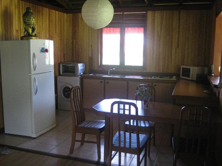 https://tahititourisme.ch/wp-content/uploads/2017/08/Fare-Tiare-painapo-cuisine.jpg