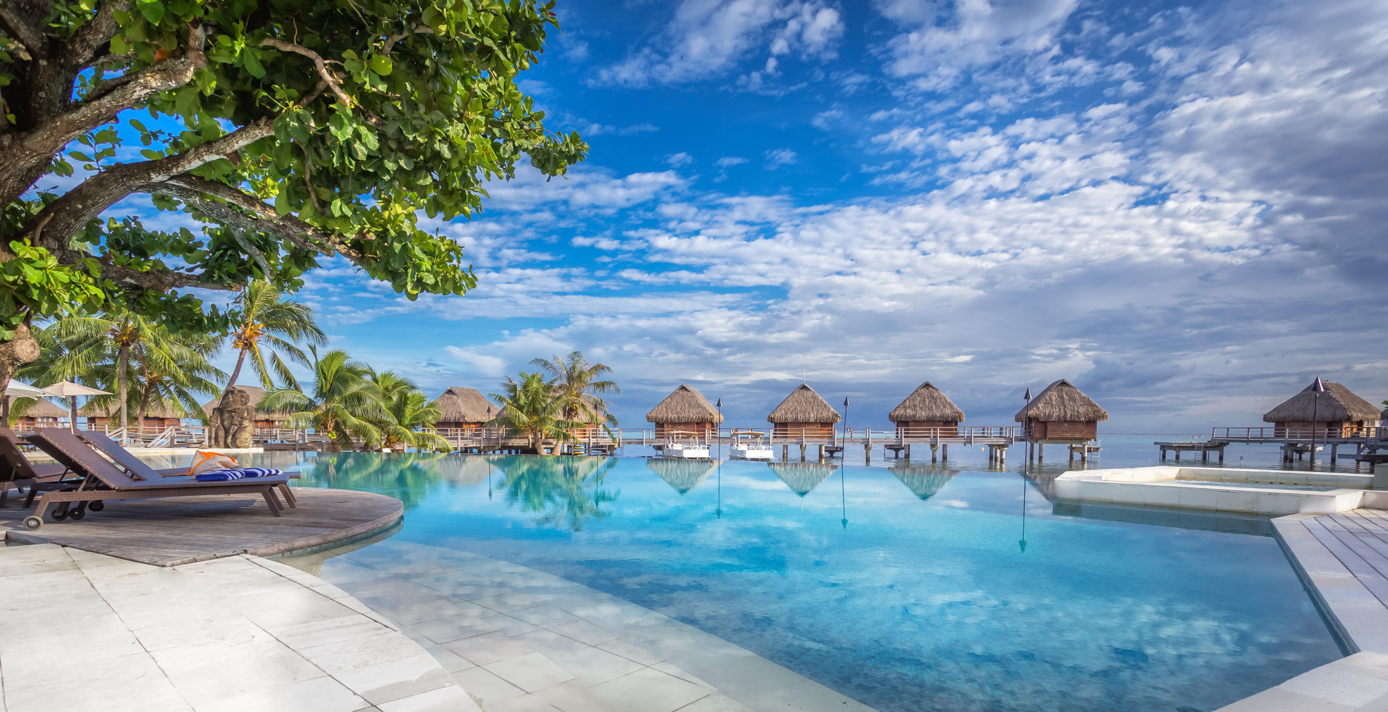https://tahititourisme.ch/wp-content/uploads/2017/08/HEBERGEMENT-Manava-Beach-Resort-and-Spa-Moorea-1-Charles_Veronese.jpg