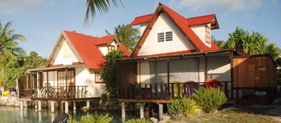 https://tahititourisme.ch/wp-content/uploads/2017/08/bungalow-lagon.jpg