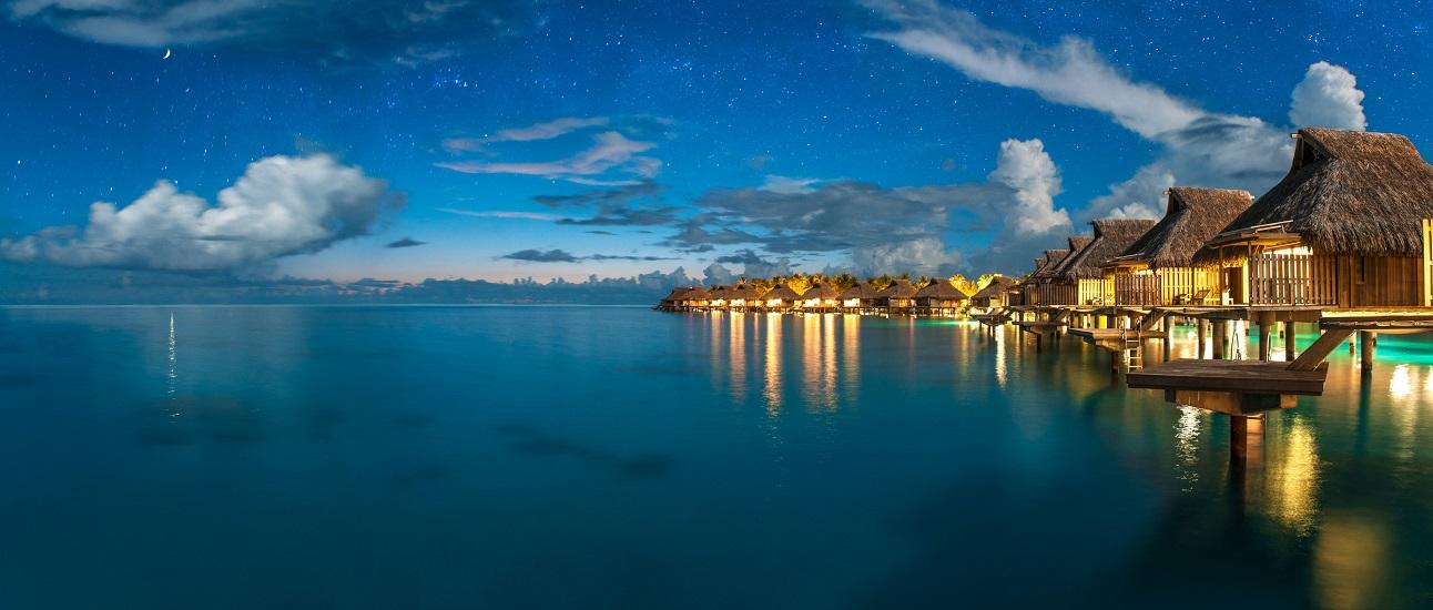 https://tahititourisme.ch/wp-content/uploads/2017/09/HERBERGEMENT-Conrad-Bora-Bora-Nui-2.jpg
