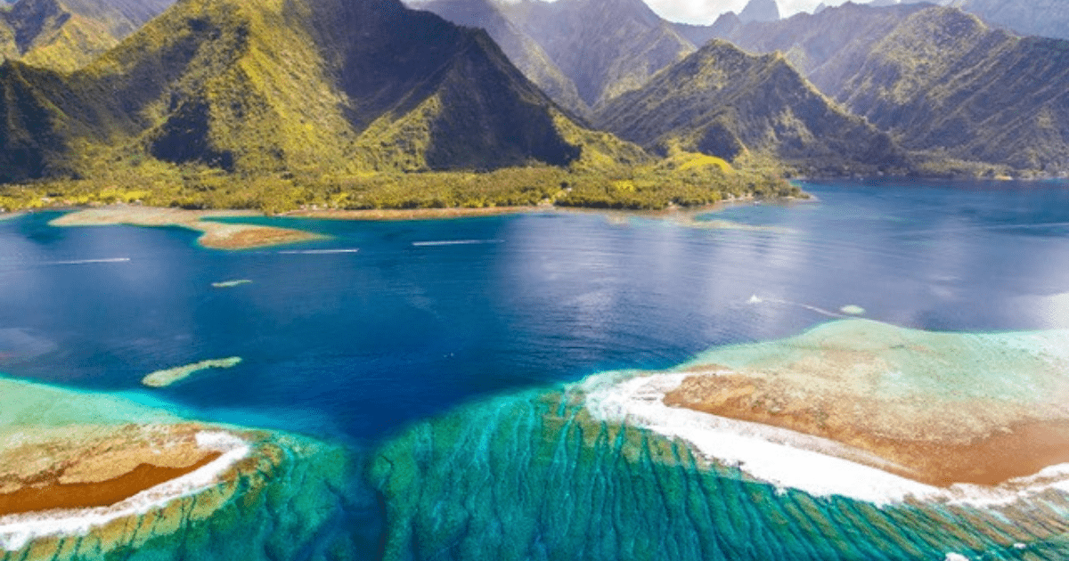 https://tahititourisme.ch/wp-content/uploads/2017/09/TahitiItiToursSurf2_1140x550-min.png