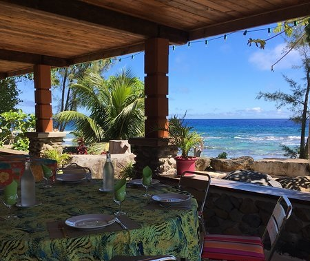 https://tahititourisme.ch/wp-content/uploads/2018/04/view-from-terrace-commune.jpg