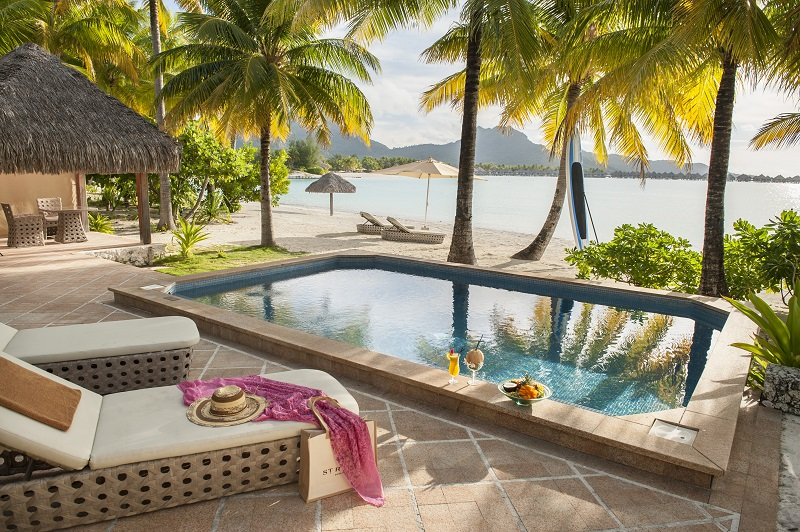 https://tahititourisme.ch/wp-content/uploads/2019/05/2014_BOB_H_St-Regis-Pool-Beach-terrace-photo-gorgeous-2-2-small.jpg