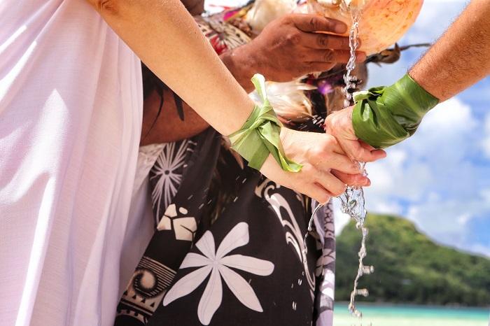 https://tahititourisme.ch/wp-content/uploads/2019/05/2015_BOB_H_Sofitel-Polynesian-Wedding-1-small.jpg