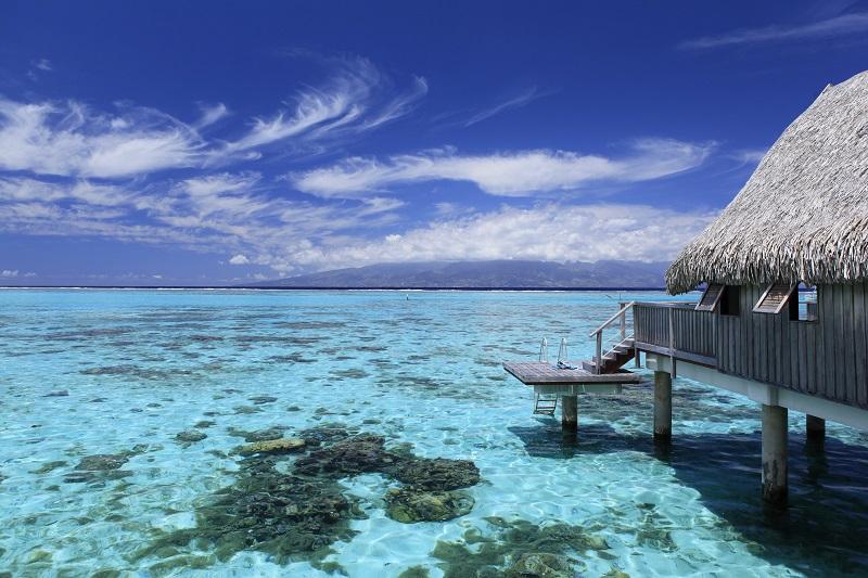 https://tahititourisme.ch/wp-content/uploads/2019/05/2015_MOZ_H_Sofitel-Ia-Ora-Luxury-Overwater-Bungalow-4-small.jpg