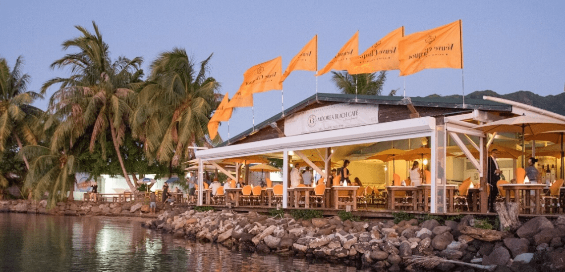 https://tahititourisme.ch/wp-content/uploads/2020/01/mooreabeachcafe_1140x550-min.png