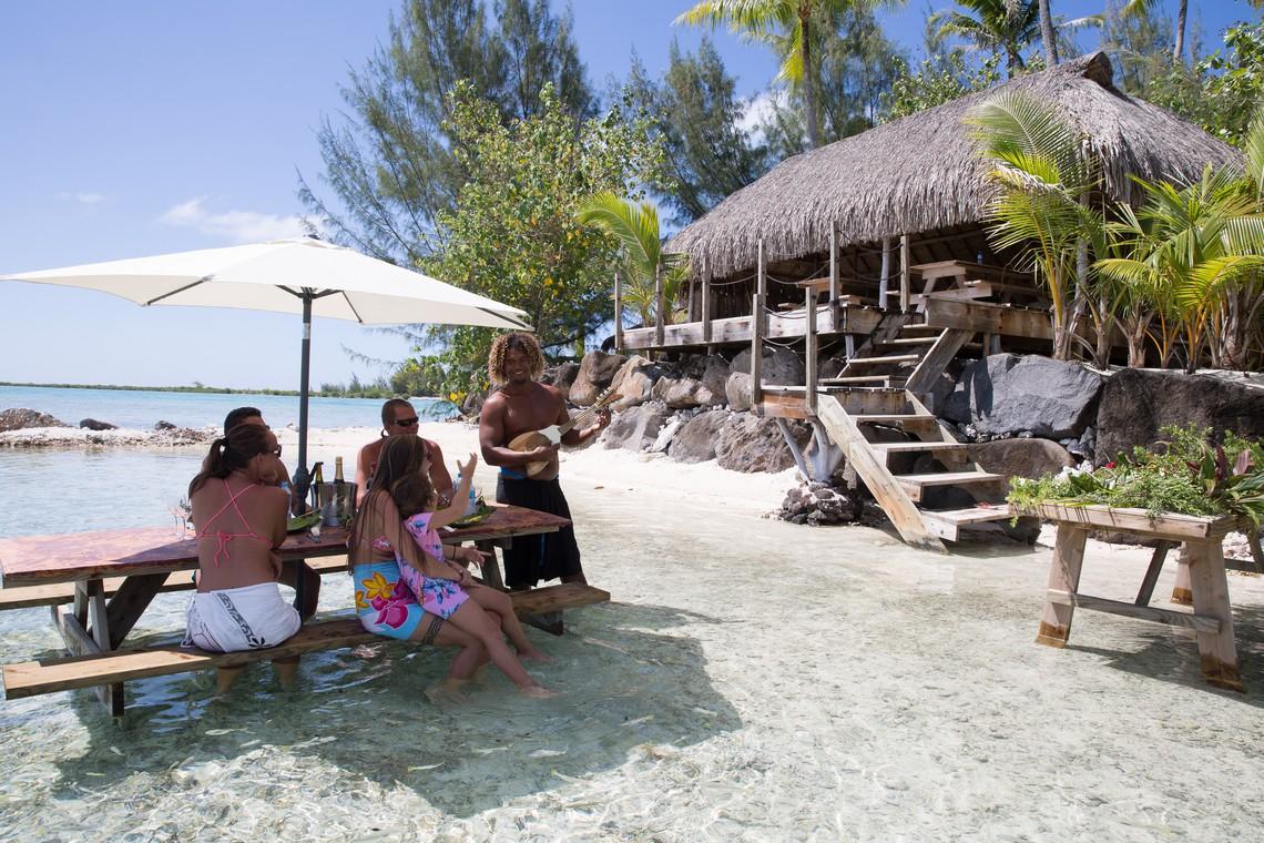 https://tahititourisme.ch/wp-content/uploads/2020/11/Lagoon-Srvice-Bora-Bora-3.jpg
