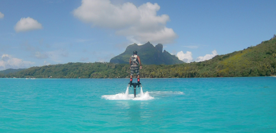https://tahititourisme.ch/wp-content/uploads/2021/02/flyboardborabora_1140x550px.png