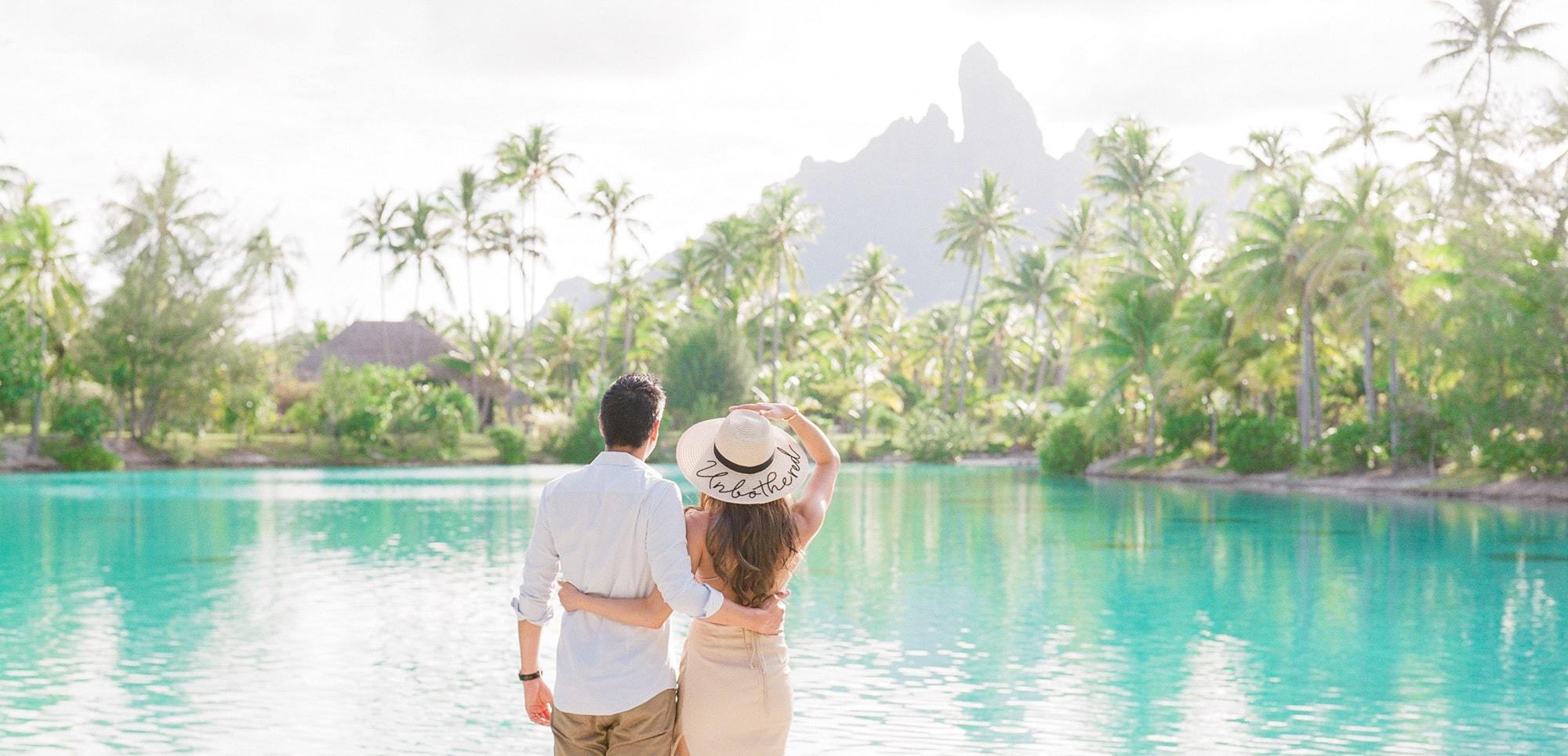 https://tahititourisme.ch/wp-content/uploads/2021/04/PCP-Bora-Bora-Photographer-St-Regis-Honeymoon.jpg